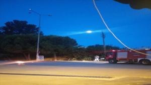 Serik'te sokak lambasında çıkan yangın söndürüldü