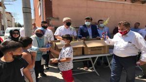 AK Parti, orman yangınlarına dikkati çekmek için Eskişehir'de fidan dağıttı