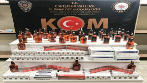 Eskişehir'de bir evde kaçak içki ve sigaralar ele geçirildi