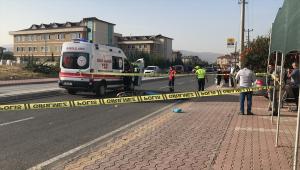 Kamyonet ile motosiklet çarpıştı 1 kişi öldü