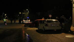 Niğde'de 3 otomobilin karıştığı kazada 7 kişi yaralandı