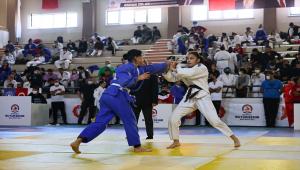 Denizli'de 5. Cumhuriyet Judo Kupası müsabakaları yapıldı