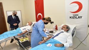 Yargıtay Başkanı Akarca ve Yargıtay Cumhuriyet Başsavcısı Şahin kan bağışında bulundu