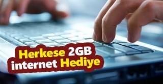 Bakan açıkladı! Herkese günlük 2 GB internet bedava