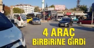 Karaman'da Kaza! 4 Araç Çarpıştı