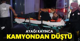 Karaman'da kamyon kasasından düşen şahıs yaralandı