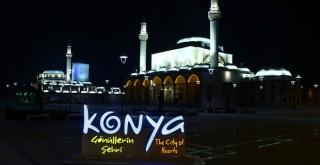 Kısıtlamasının başlamasıyla Konya'da sessizlik hakim oldu