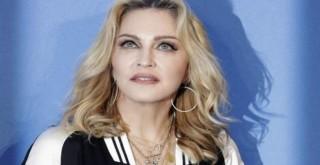 Madonna koronavirüse yakalandı